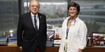 A.M.A. la Mutua de los Profesionales Sanitarios, cubrirá con la póliza colectiva firmada con el Colegio de Veterinarios de Cádiz, la Responsabilidad Civil de los propietarios de perros