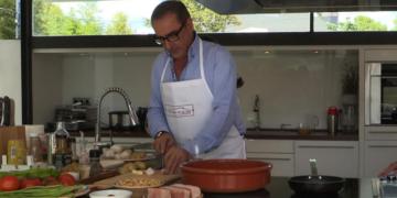 Carlos Herrera en la cocina
